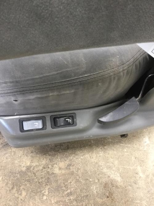 FREIGHTLINER ST120 Seat, Front