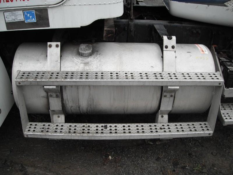 FREIGHTLINER FLD112SD FUEL TANK TRUCK PARTS #585033