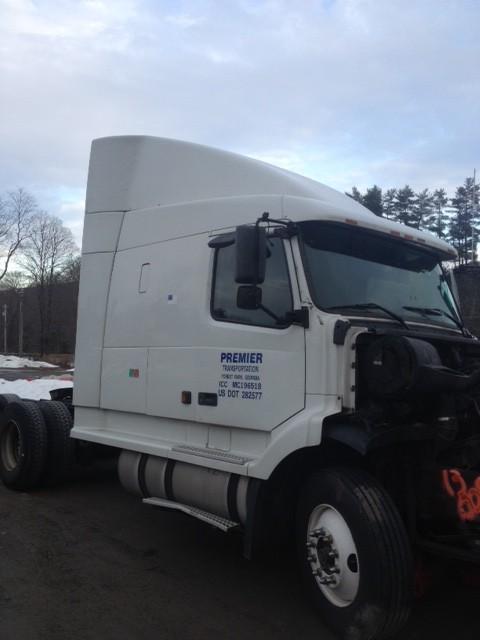 GMC/VOLVO/WHITE VNL660 CAB MOUNT TRUCK PARTS #586786