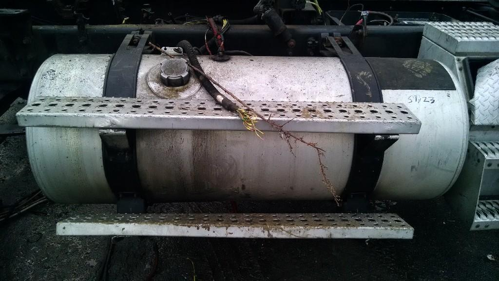 USED FREIGHTLINER COLUMBIA FUEL TANK TRUCK PARTS #585038