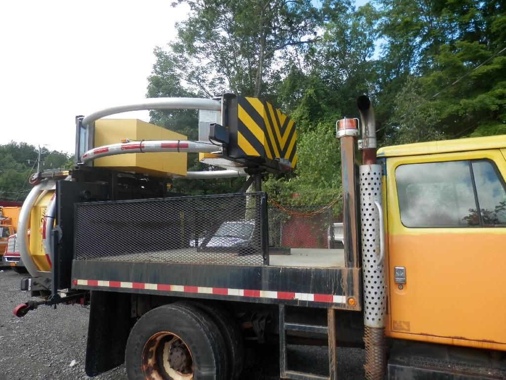 USED 2001 INTERNATIONAL 4900 OTHER TRUCK #585879