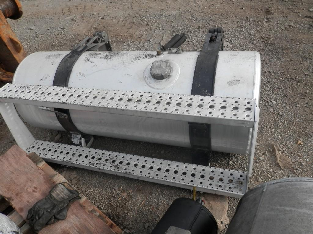 USED FREIGHTLINER CST120 CENTURY FUEL TANK TRUCK PARTS #585049
