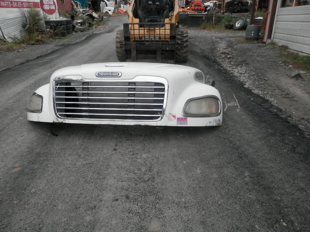 USED FREIGHTLINER M2-100 HOOD TRUCK PARTS #584884