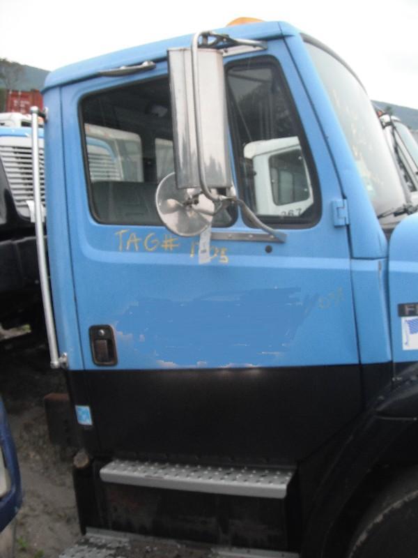 USED FREIGHTLINER FL70 DOOR TRUCK PARTS #584929
