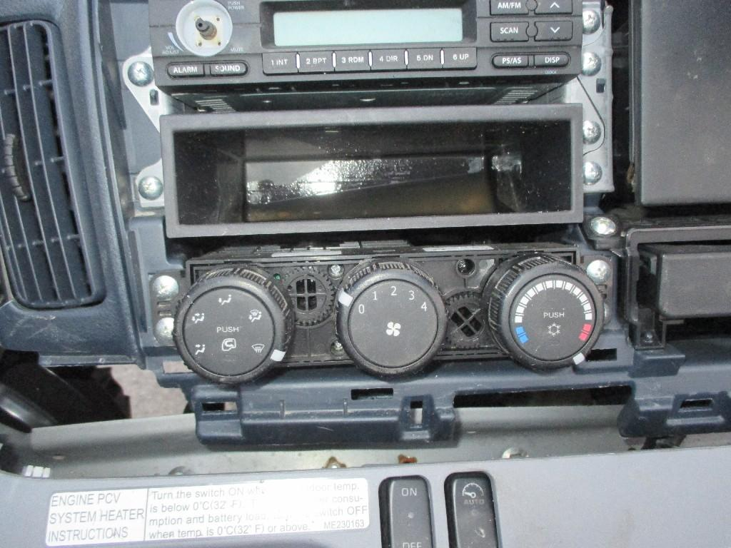 Heater / Ac Control Panel   Trucks Parts For Sale
