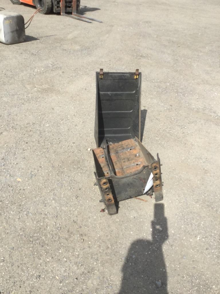 FREIGHTLINER M2 Battery Box