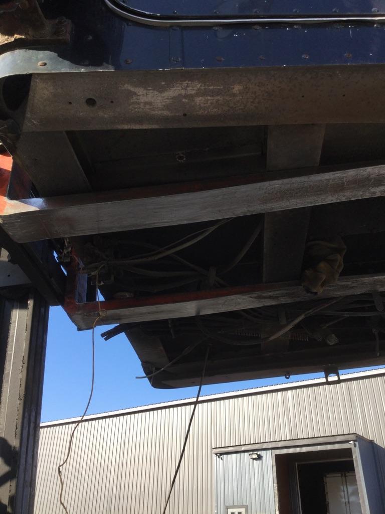 USED PETERBILT 357 CAB TRUCK PARTS #607517