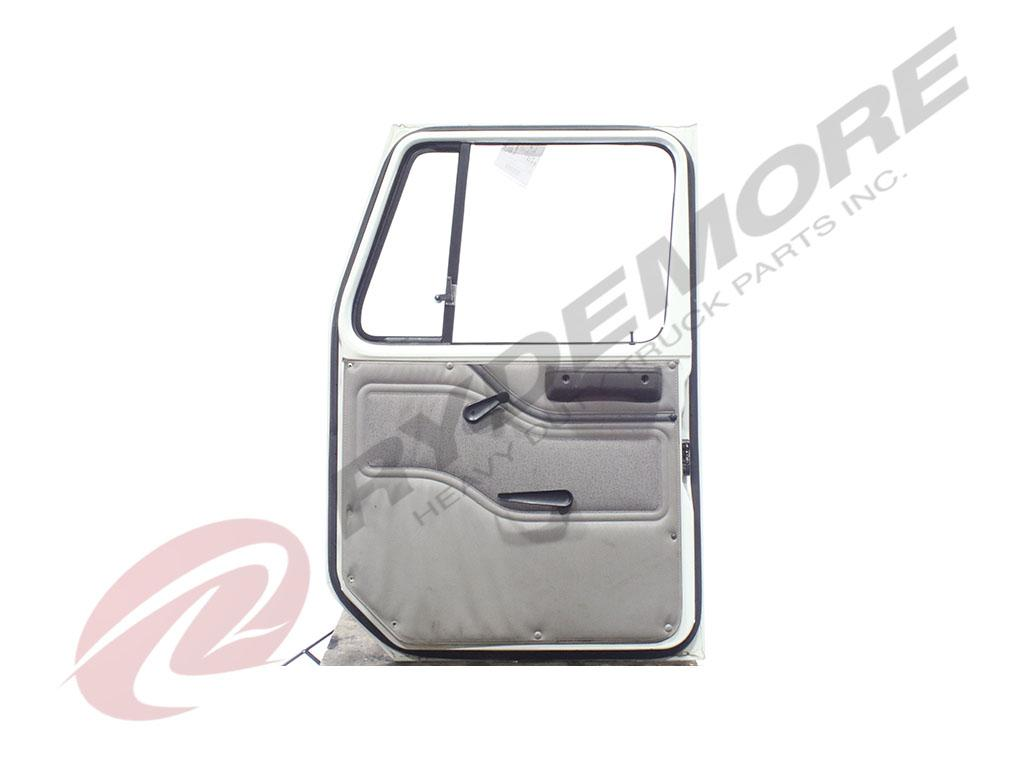 INTERNATIONAL 4700 BATTERY BOX