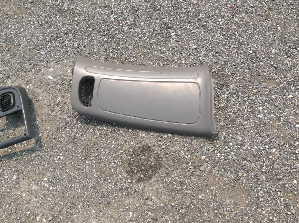 USED FREIGHTLINER M2 106 CAB TRUCK PARTS #667195
