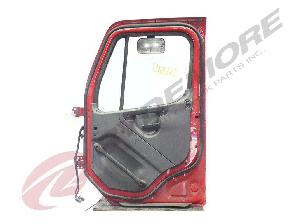 USED 2005 FREIGHTLINER M2-112 DOOR TRUCK PARTS #265359