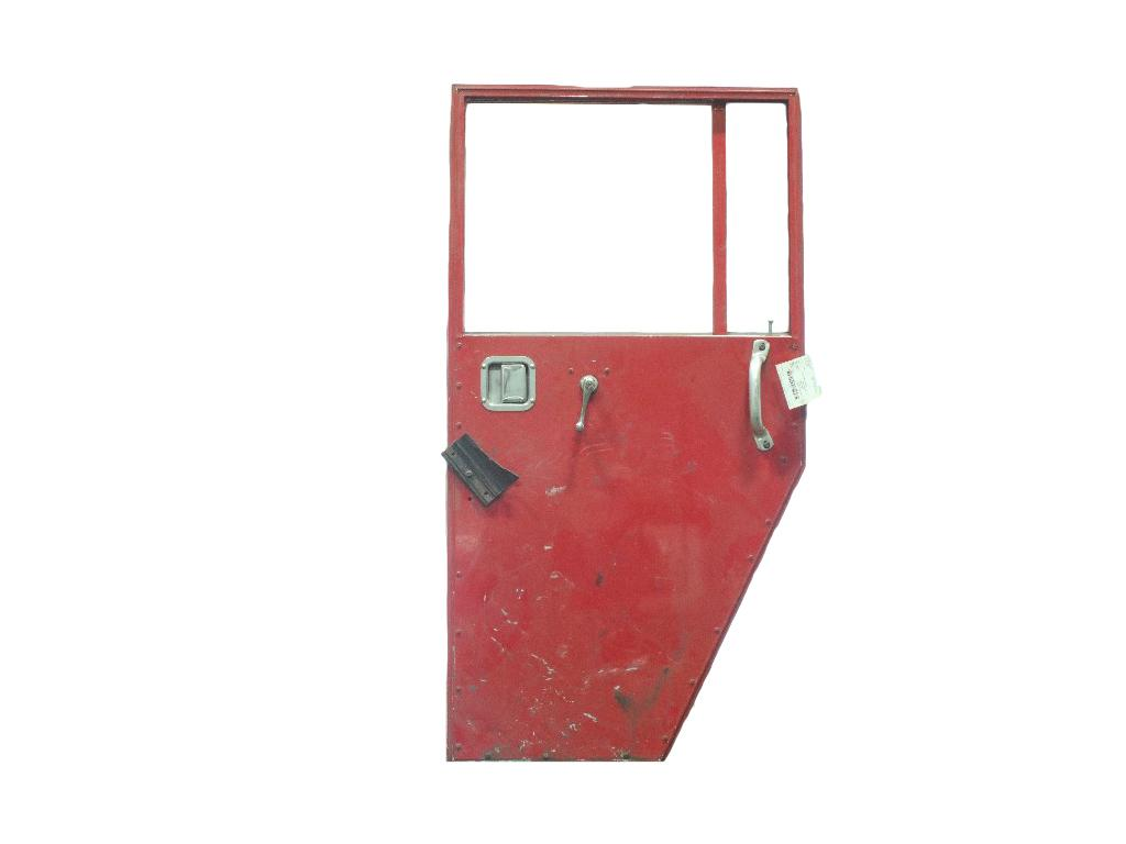 USED 1999 CCC LOW ENTRY DOOR TRUCK PARTS #265446