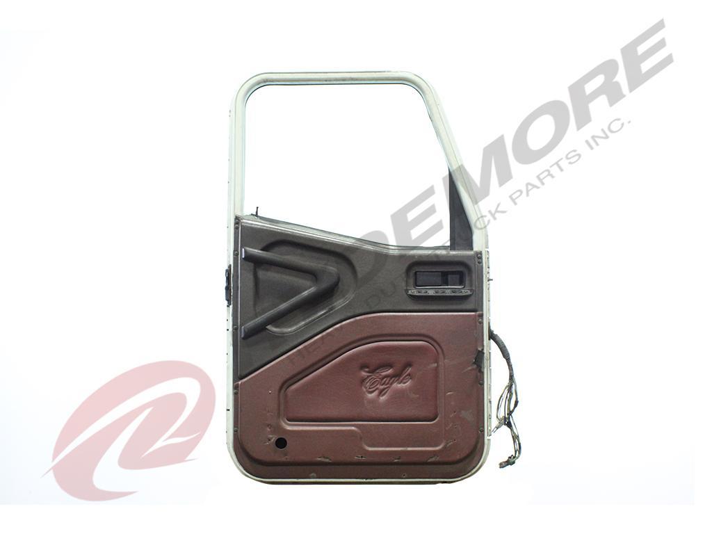 USED INTERNATIONAL NAVISTAR 9400I DOOR TRUCK PARTS #668812