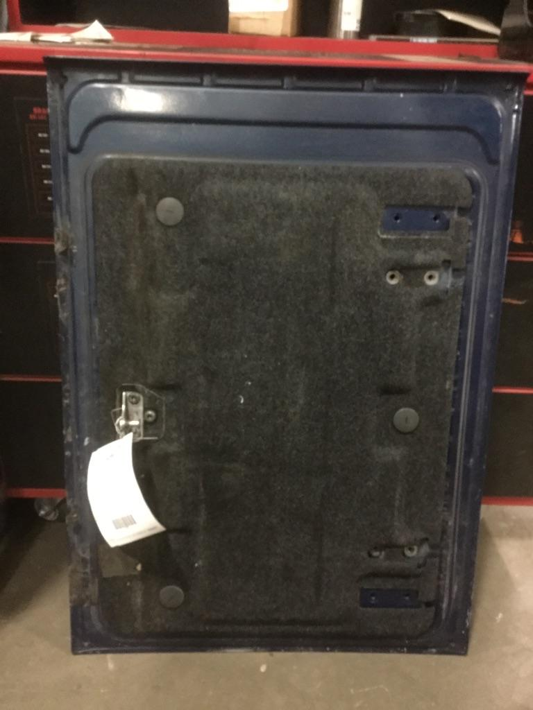 USED VOLVO VNL MISC BODY PART TRUCK PARTS #512261