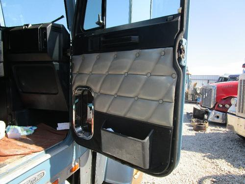 FREIGHTLINER FLD132T Door Assembly, Front