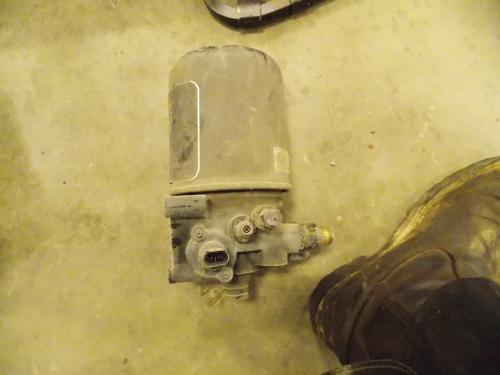 VOLVO 670 Air Dryer