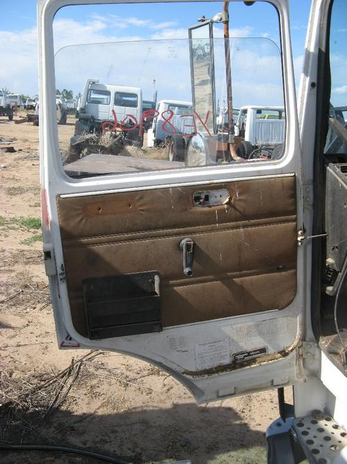 GMC/VOLVO/WHITE F7 Door Assembly, Front