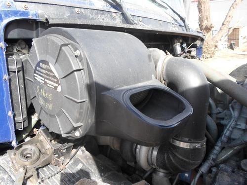 GMC/VOLVO/WHITE VNL200 Air Cleaner