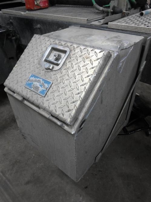 INTERNATIONAL 9200i Tool Box
