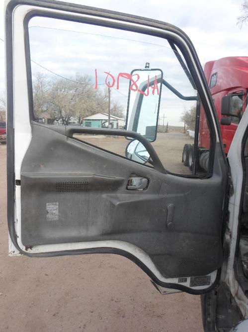 MITSUBISHI FUSO FH Door Assembly, Front