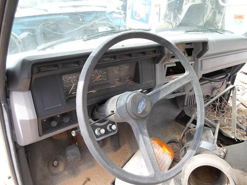 FORD F700 Dash Assembly