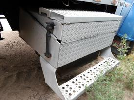 FREIGHTLINER FLD132T CLASSIC XL Tool Box