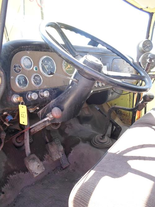 INTERNATIONAL 1800 LOADSTAR Steering Column