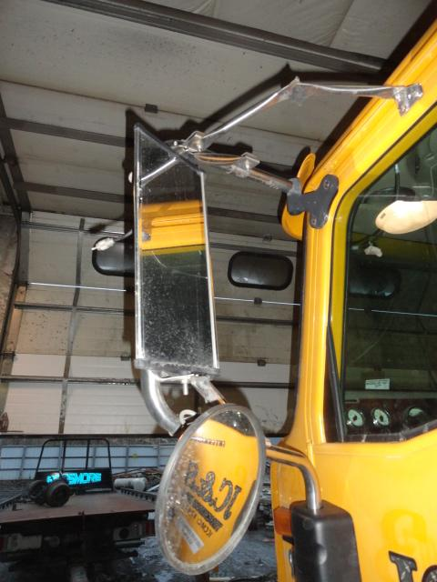 INTERNATIONAL 9200I Mirror (Side View)