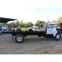 Complete Vehicle FORD F800 Midway Truck Inc