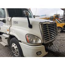 Hood FREIGHTLINER CASCADIA Dutchers Inc   Heavy Truck Div  Ny