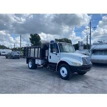 Complete Vehicle INTERNATIONAL 4200 LKQ Heavy Truck - Tampa