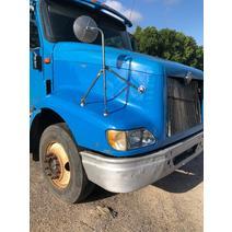 Hood INTERNATIONAL 9200I B & W  Truck Center