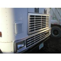 Grille INTERNATIONAL 9670 Dales Truck Parts, Inc.