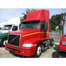 Complete Vehicle VOLVO VNM LKQ Heavy Truck - Tampa